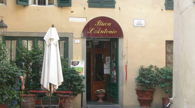 ristorante-buca-di-sant-antonio-20110603-195618.jpg