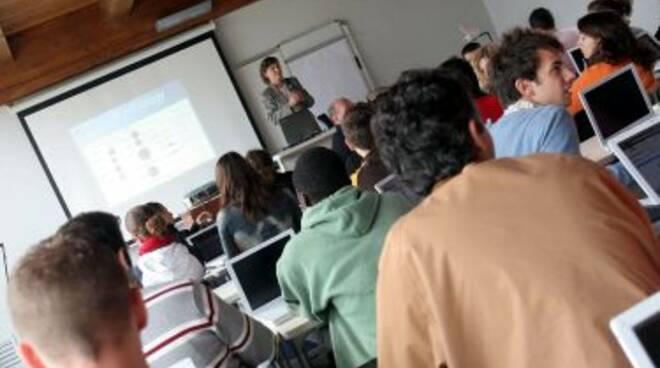 scuola_aulalezioneR375_12set08.jpg