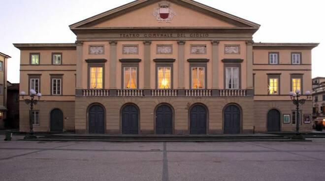 Teatro_del_Giglio_foto_Filippo_Brancoli_Pantera.jpg
