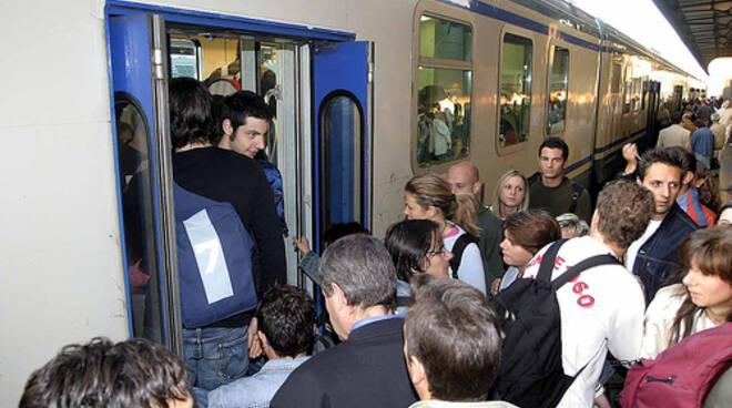 treno-pendolari-latina-24ore.jpg