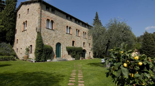 Villa_Mammoli_1_courtesy_Lonard.jpg