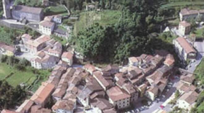 Gallicano_-_Veduta_aerea.jpg