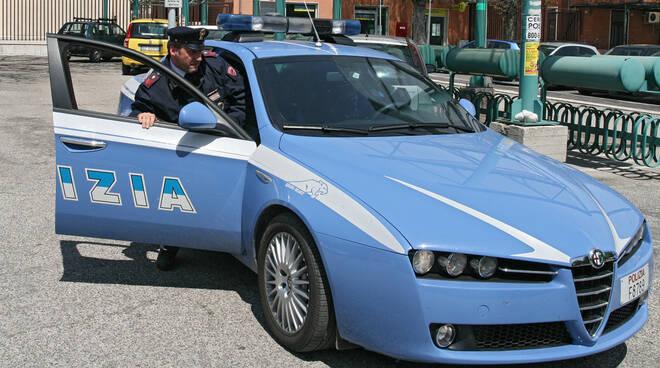 polizia-volante-sportello-2.jpg