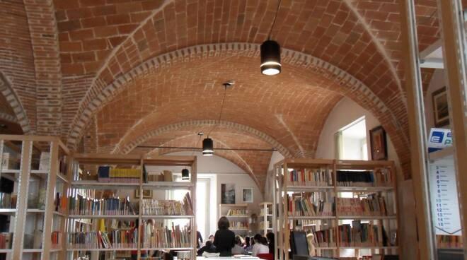 biblioteca_Calcinaia.JPG