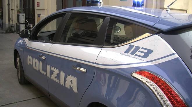 polizia-questura-133-nuova-livrea-auto-171214-2.jpg
