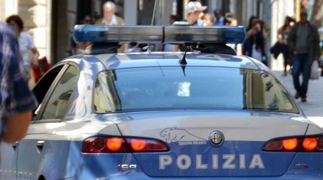 2298013-polizia.jpg