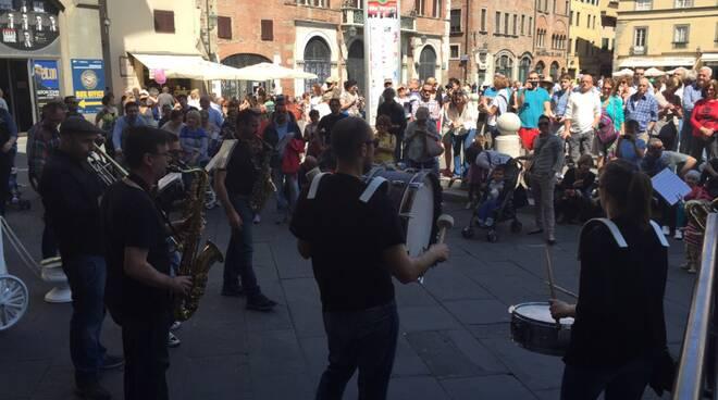 street_band_piazza_san_michele.jpg