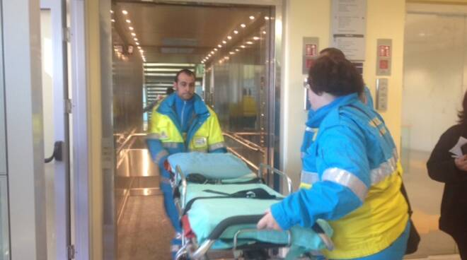 ambulanzanuovoospedale.jpg