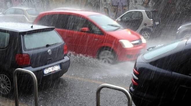pioggia_utomobili.jpg