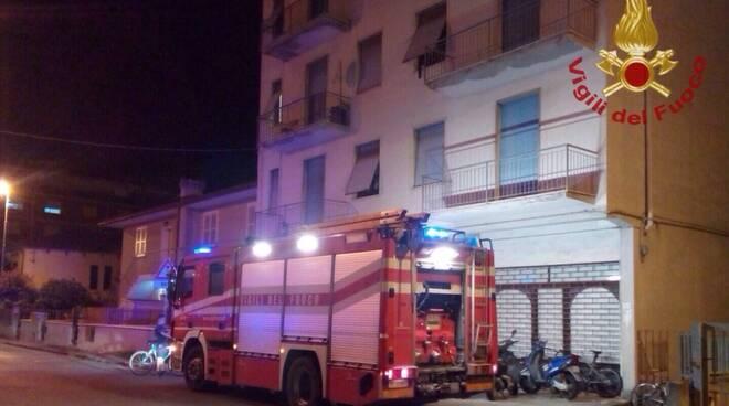 incendio_via_buozzi_santa_cro.jpg
