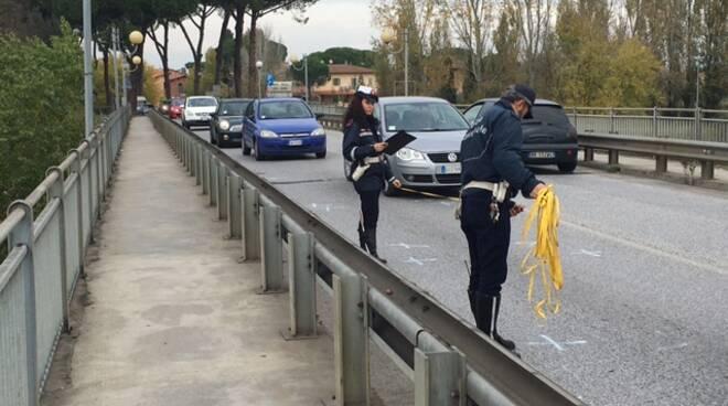 rilievi_ponte_santa_croce.JPG