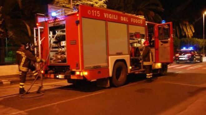 vigili-del-fuoco-notturna10.jpg