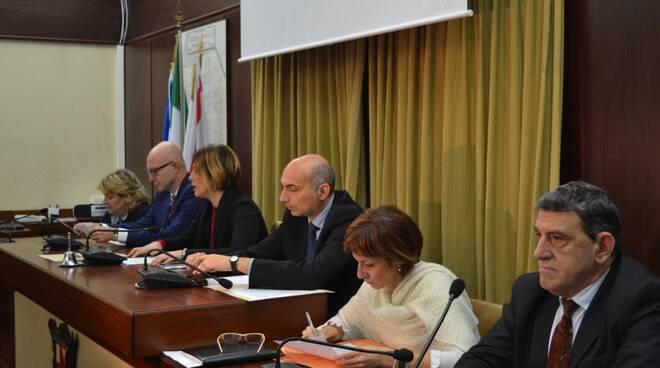 i_sindaci_del_distretto_-_in_primo_piano_Giovanni_Capecchi_sindaco_di_Montopoli.JPG