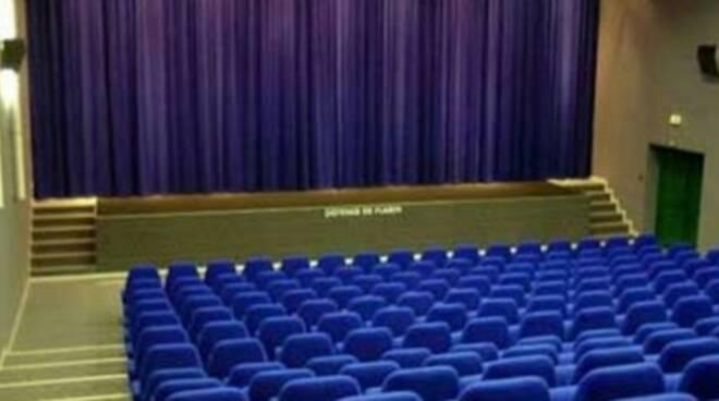 Teatro-puccini-Altopascio-740x357.jpg