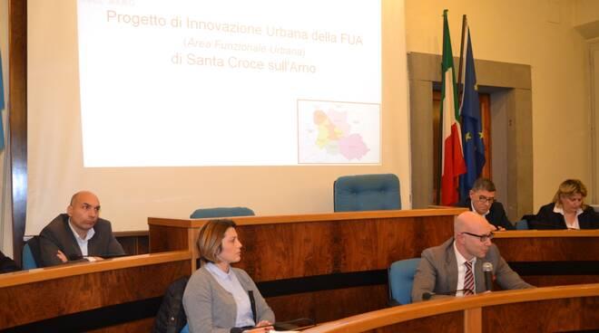 i_sindaci_durante_un_incontro_pubblico.jpg