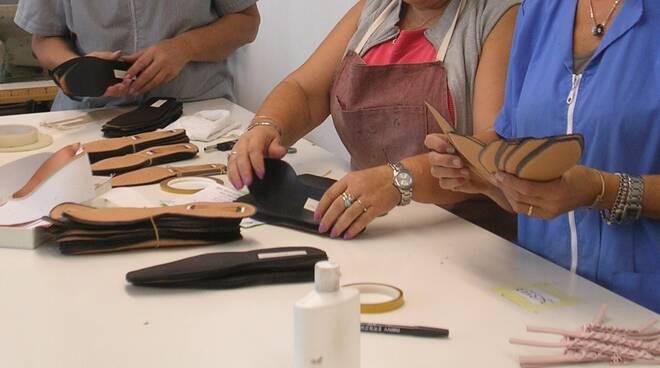 calzaturiero_mani_lavoro_2.jpg