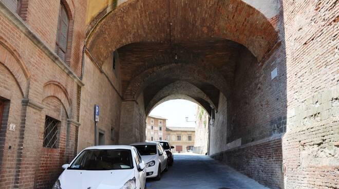 Porta_della_Ruga_poi_del_Comune.jpg