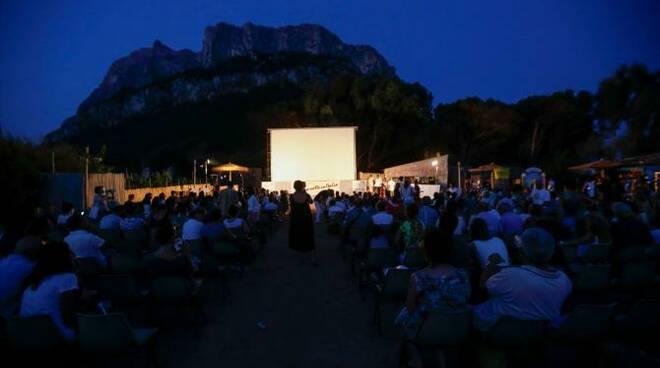 1467193024419.jpg--cinema_da_isola_al_festival_di_tavolara_.jpg