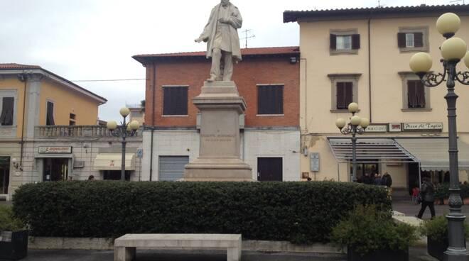 piazza_Montanelli.JPG