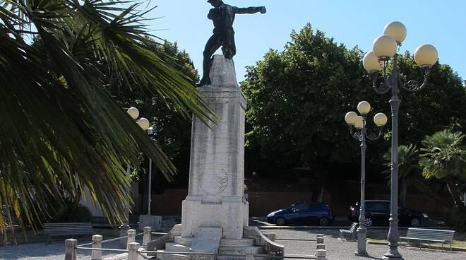 monumento_piazza_della_vittoria.JPG