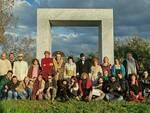 foto_e_info-La_troupe_con_gli_utenti_al_Pucciniano_di_Torre_Del_Lago.jpg