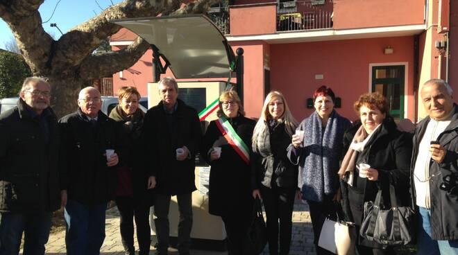 Inaugurazione_fontanello_San_Donato.JPG