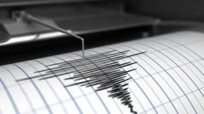 sismografo-e-terremoto-70884929.jpg