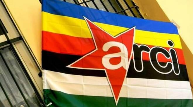 bandiera-arci.jpg