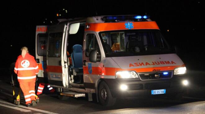 ambulanza-notte.jpg