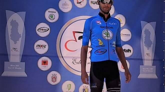 Ficara_con_la_maglia_di_leader_della_classifica_a_punti_al_Tour_di_albania-1.jpg