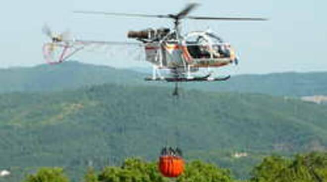 elicottero_antincendi_RT_11971.jpg