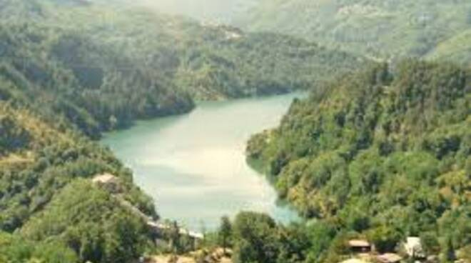 lago_di_gramolazzo.jpg