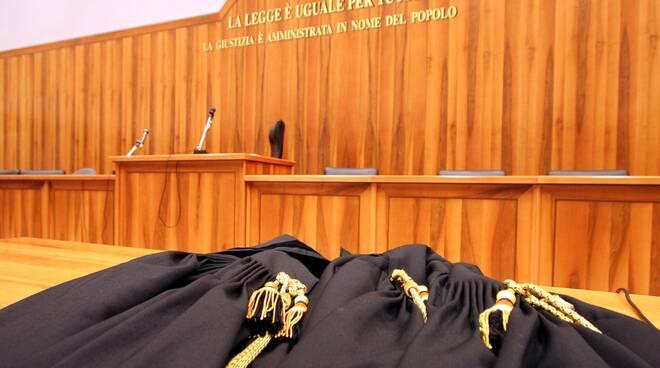 tribunale_toga.jpg
