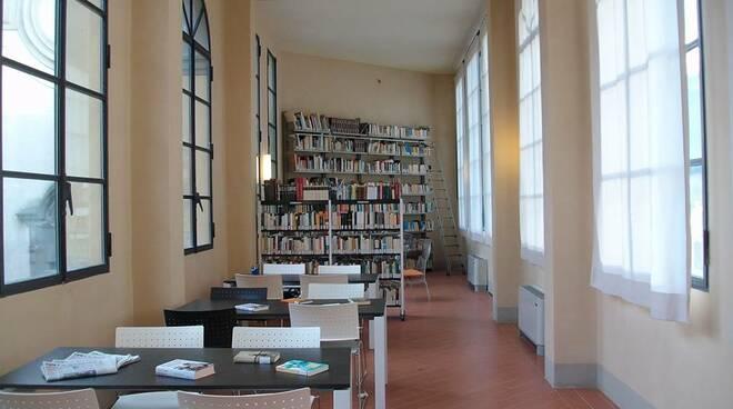 biblioteca-comunale-interno.jpg
