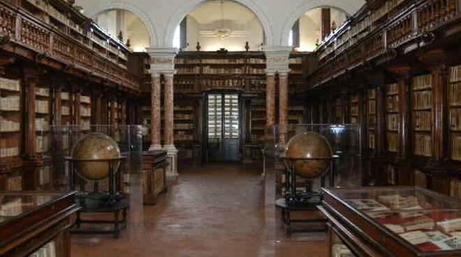 bibliotecalucca.jpg