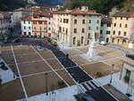 Seravezza_piazza_Carducci.jpg