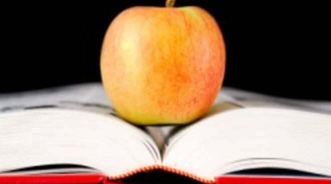 Una-mela-per-merenda-250x172.jpg