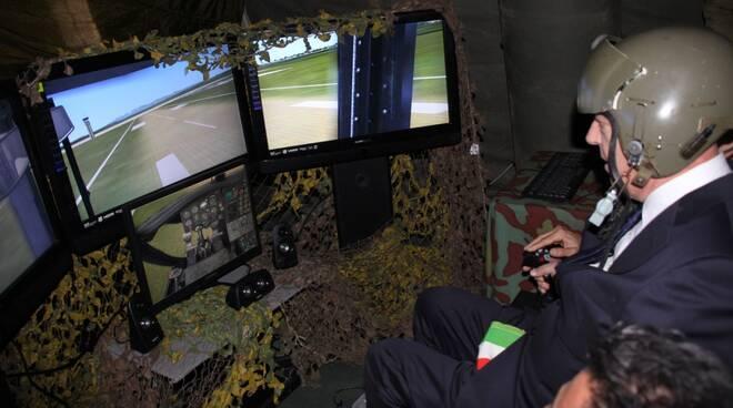 il_sindaco_di_Lucca_prova_il_simulatore.JPG