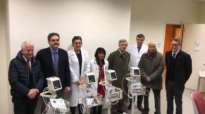 13-12-17_foto_donazione_Rotary-1.JPG