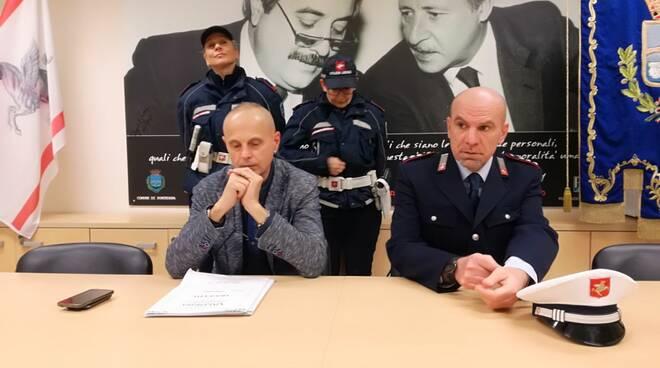 polizia_locale_Pontedera.jpg