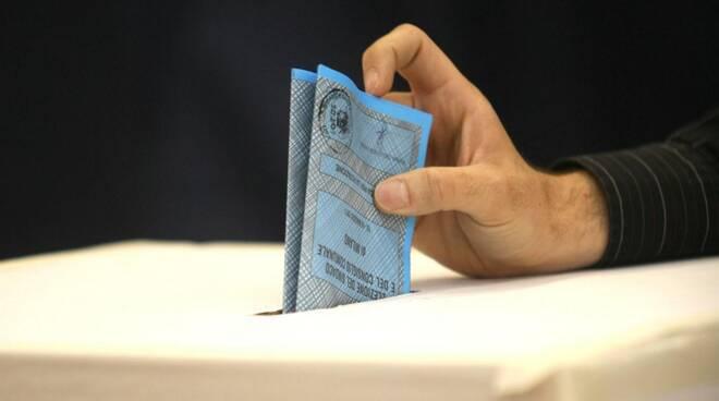referendum_appennino_in_garfagnana_urna.jpg