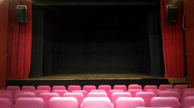 teatrobo.JPG