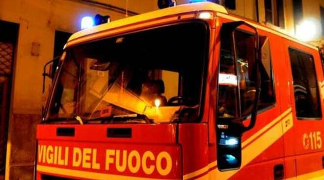 vigili-del-fuoco_notte_città.jpg