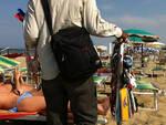 abusivismo-commerciale-spiaggia-vu-cumpra-venditori1.jpg