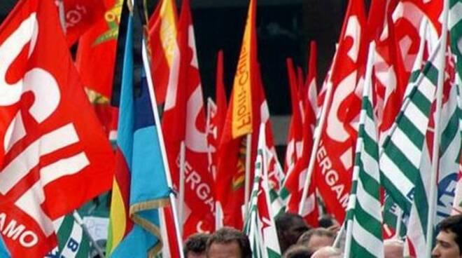 bandiere-sindacati.jpg