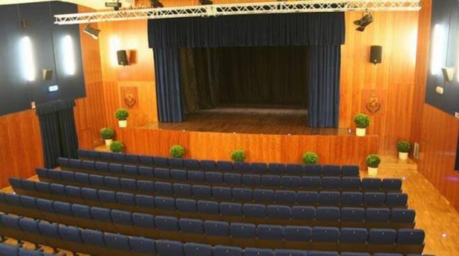 nuovo_teatro_pacini.jpg