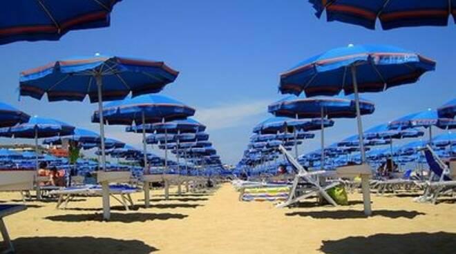 ombrelloni-spiaggia838.jpg