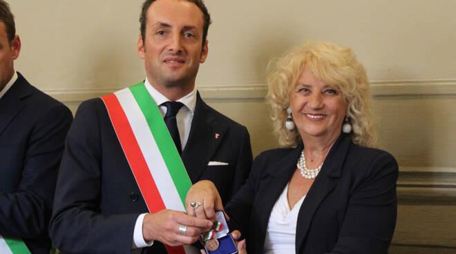 74esimo_anniversario_della_liberazione_e_consegna_medaglia_bronzo_merito_civile_a.jpg