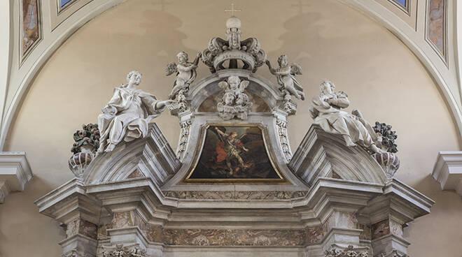 Coronamento_altare_maggiore_di_S._Angelo_in_Campo-ph_Lucio_Ghilardi_BASSA.jpg