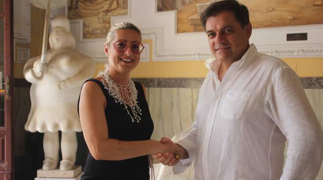 Foto_da_sx_Monica_Pellistri_con_sindaco_Alberto_Giovannetti.JPG
